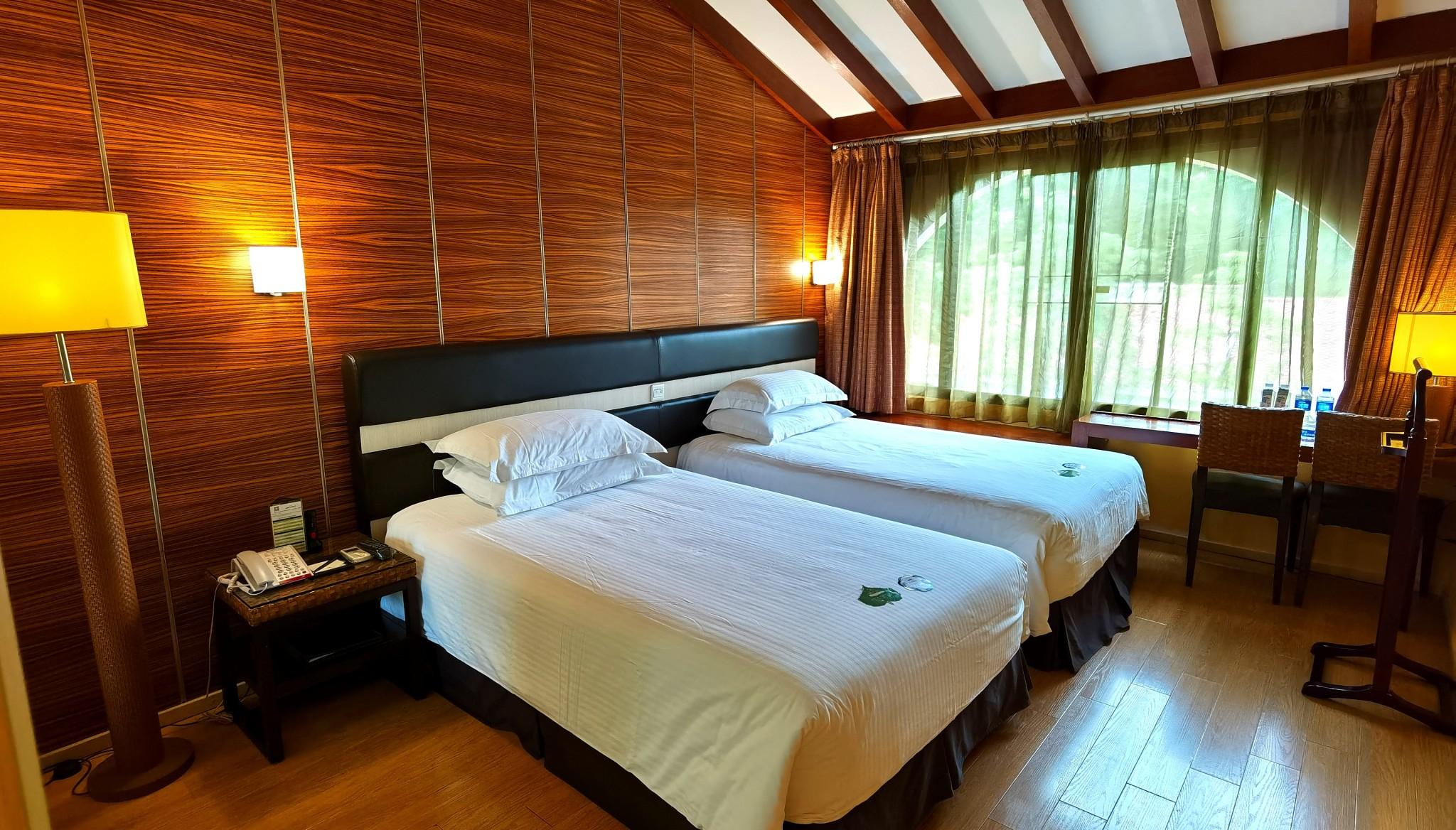 两居室2床卧室