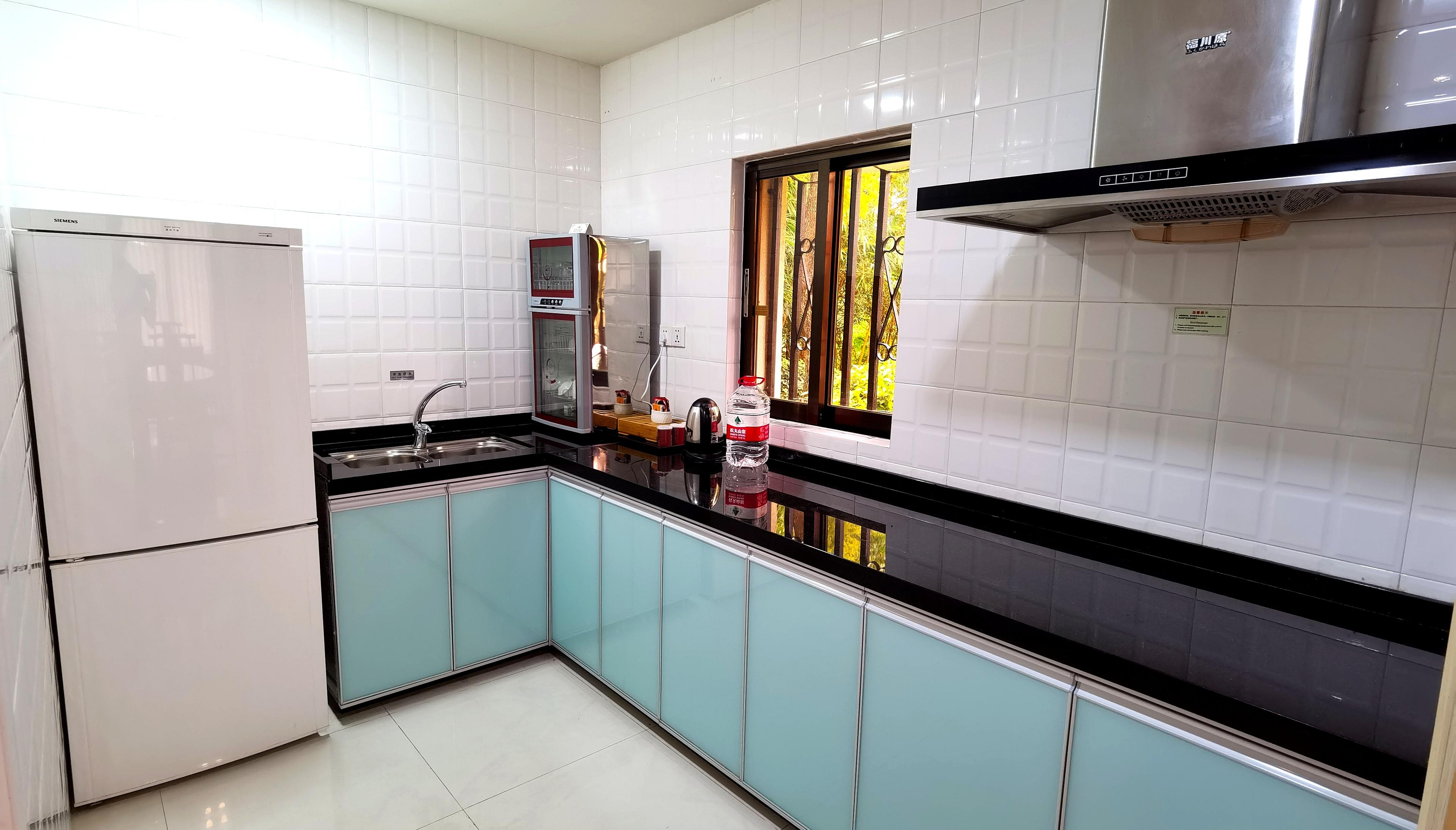 三居室5床-厨房